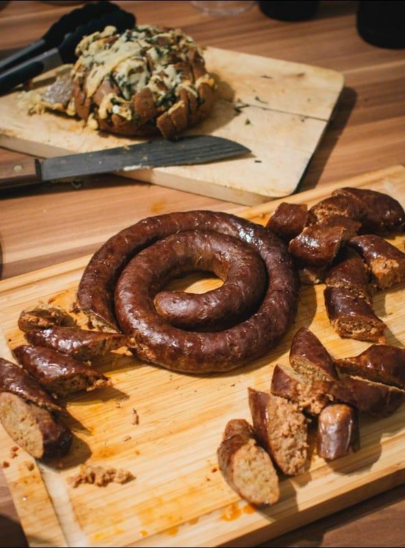 Zupfbrot und Chorizowurst